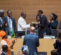 """الرئيس الرواندي """"كاغامي"""" يتولى رئاسة الاتحاد الأفريقي"""