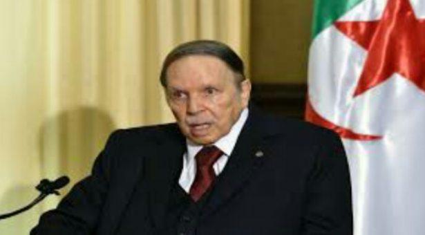 تكريم صورة لبوتفليقة يثير جدلا في الجزائر