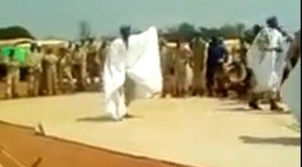 (فيديو) أفراد من القوات المسلحة يرقصون على أنغام النيفارة