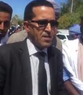 (فيديو) ولد عبد القادر من أمام القصر يؤكد تمسكهم بالرئيس وخيار التمديد للمأمورية