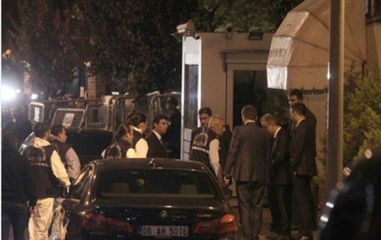 عاجل : دخول فرق التحقيق الجنائي التركية للقنصلية السعودية