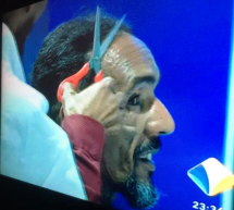 وأخيرا مشجع المرابطون ( بوب) يحلق رأسه